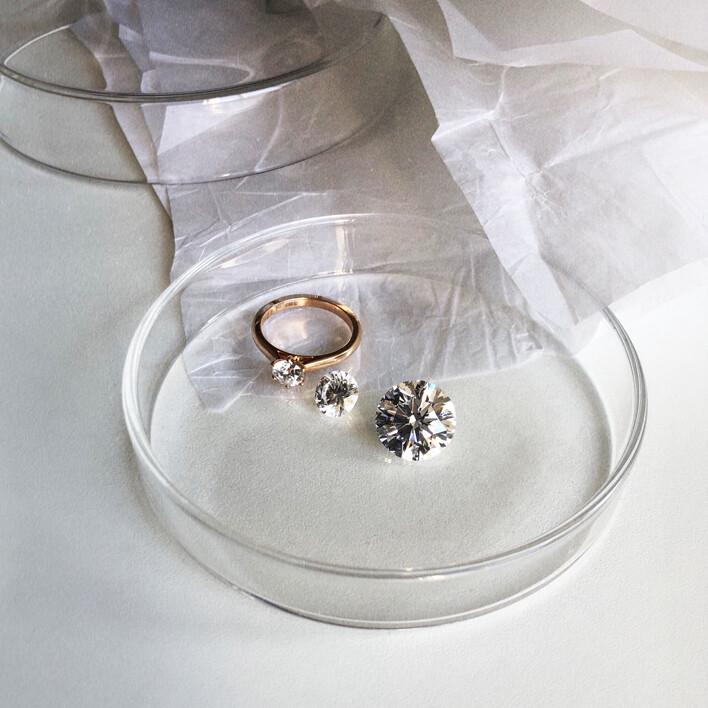 Diamant synthétique - Bague en or rose 5 griffes - Courbet