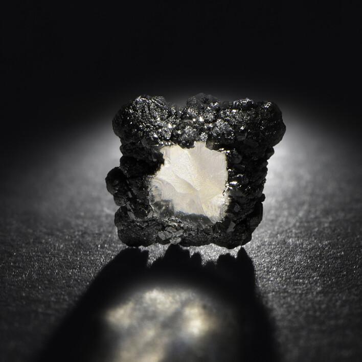 Diamant synthétique brut - Courbet - Courbet