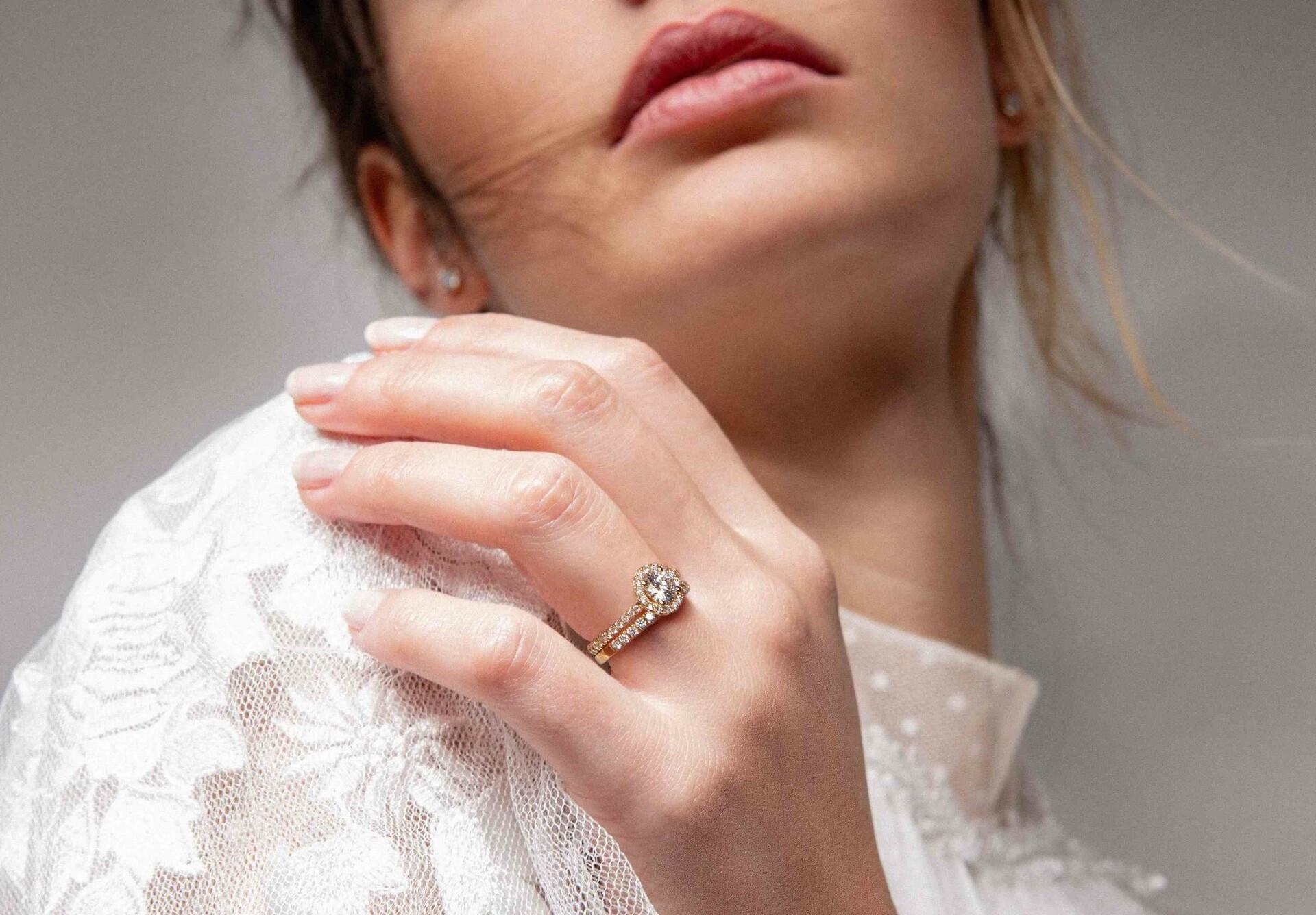 La bague rêvée à portée de clic - diamants de synthèse et or recyclé 18K - Courbet