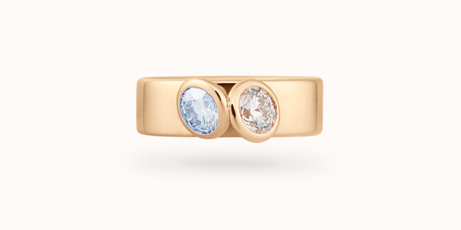 Bague 2 Courbet - Or jaune 18K (7,00g), 2 diamants (1 bleu) 1ct - Face - Courbet