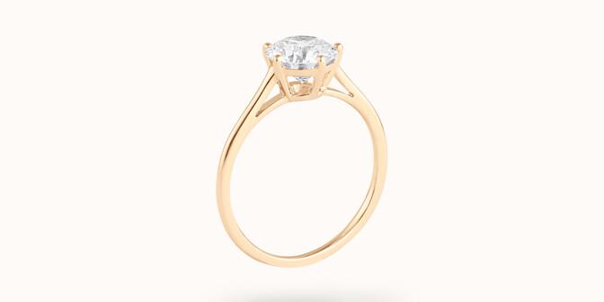 Bague solitaire cinq griffes - Or jaune 18K (1,80 g), diamant 0,5 ct - Côté - Courbet