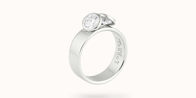 Bague 2 Courbet - Or blanc 18K (7,00g), 2 diamants 1ct - Côté - Courbet