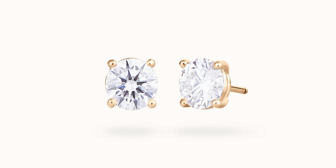 Puces d'oreilles quatre griffes - Or jaune 18K (2,00 g), diamant 0,6 ct - Courbet