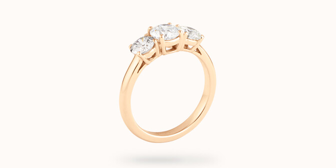 Bague solitaire Trio - Or jaune 18K (4,30 g), 3 diamants 1,45 cts - Côté