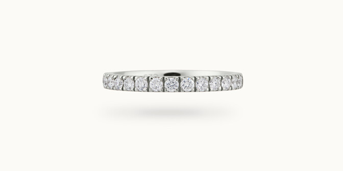 Alliance demi-pavée (2,3 mm) - Or blanc 18K (2,90 g), diamants 0,40 ct - Face - Courbet
