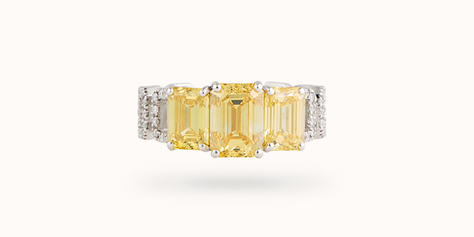 Bague Haute Joaillerie - Or blanc 18K (4,10 g), diamants jaunes et blancs 4,10 cts - Face