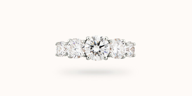 Bague solitaire Quintet - Or blanc 18K (4,50 g), 5 diamants 1,20 cts - Face - Courbet