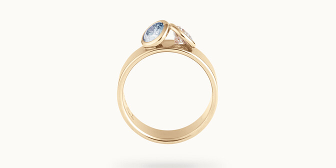 Bague 2 Courbet - Or jaune 18K (7,00g), 2 diamants (1 bleu) 1ct - Profil - Courbet