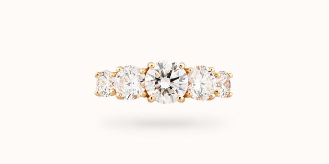 Bague solitaire Quintet - Or jaune 18K (4,50 g), 5 diamants 1,20 cts - Face