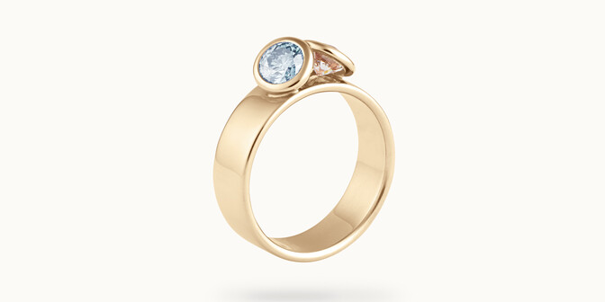 Bague 2 Courbet - Or jaune 18K (7,00g), 2 diamants (1 bleu) 1ct - Côté - Courbet