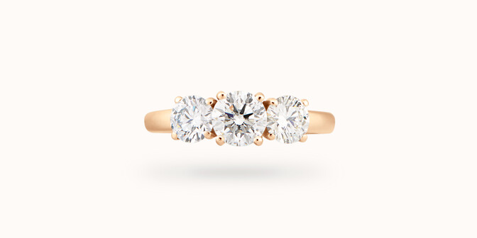Bague solitaire Trio - Or jaune 18K (4,30 g), 3 diamants 1,45 cts - Face