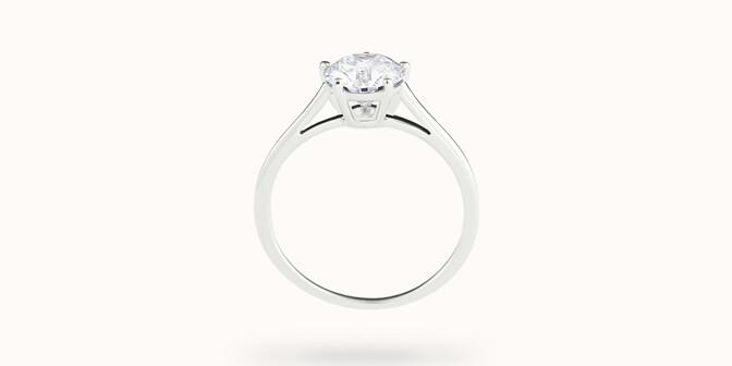 Bague solitaire cinq griffes - Or blanc 18K (1,80 g), diamant 0,5 ct - Profil