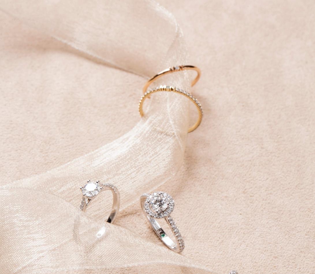 Alliance full-pavée (1,4 mm) - Or jaune 18K (1,00 g), diamants 0,20 ct - Porté 1