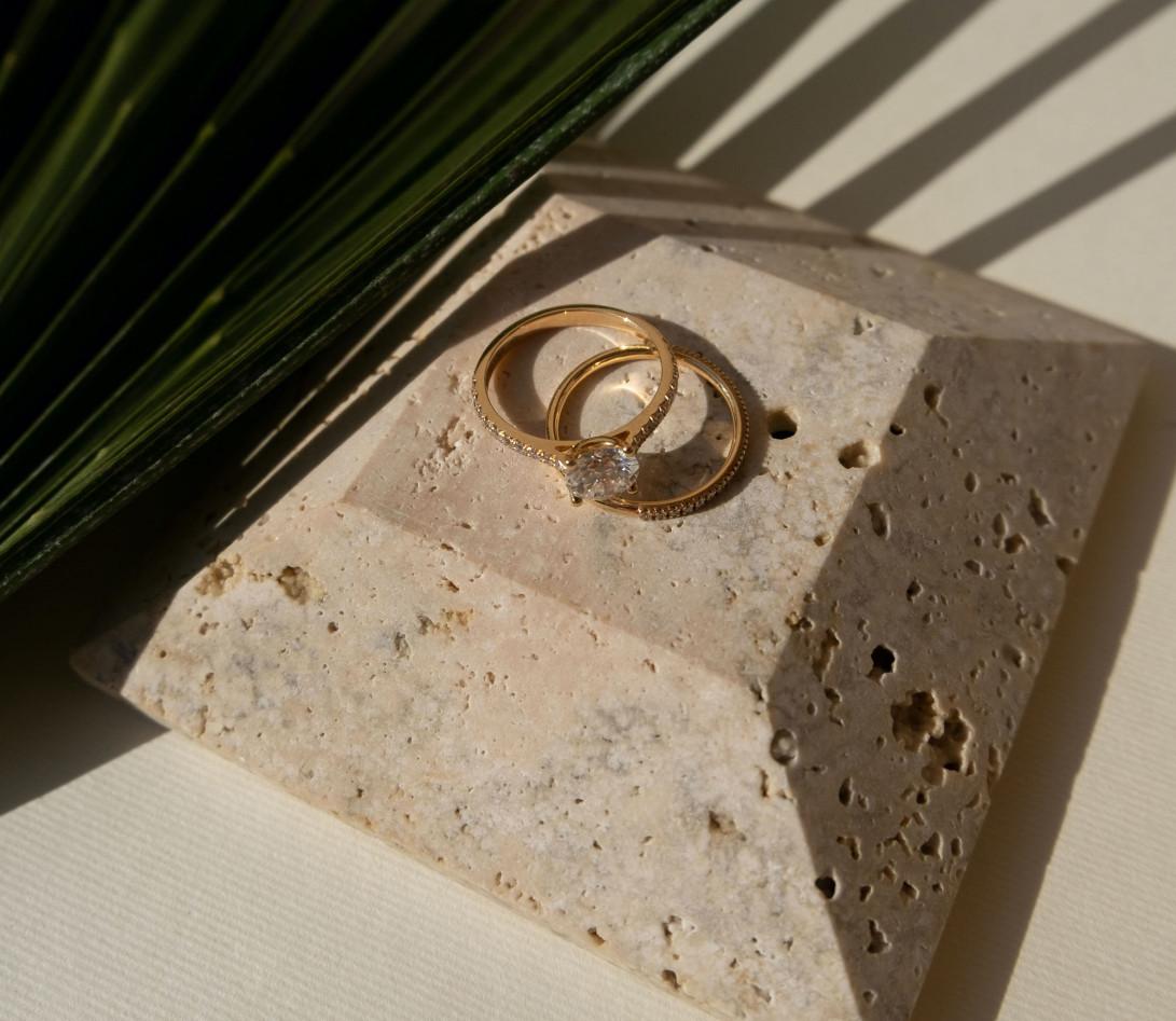 Alliance, 1,5mm demi-pavée en or jaune - porté 2