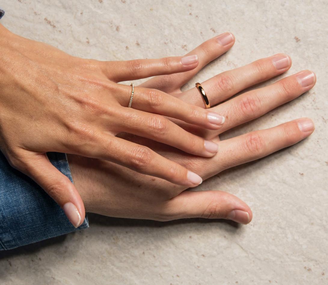 Alliance demi-pavée (1,4 mm) - Or jaune 18K (1,00 g), diamants 0,15 ct - Vue 2
